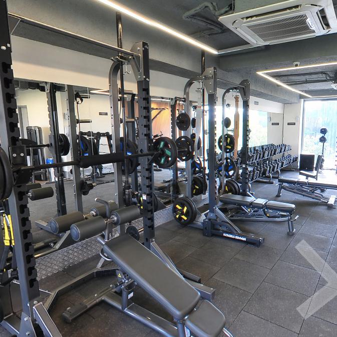 list of gyms in saket