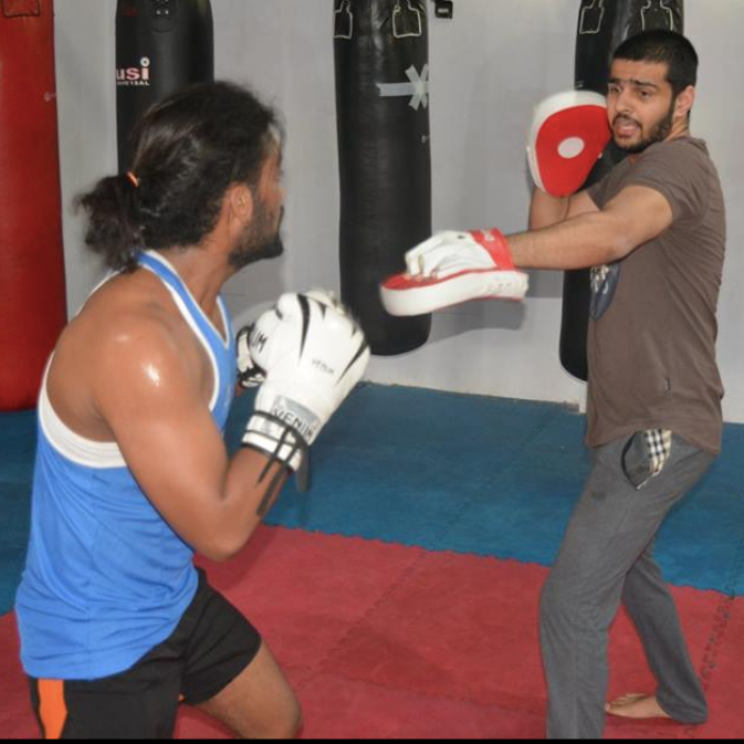 what are best gyms in saket